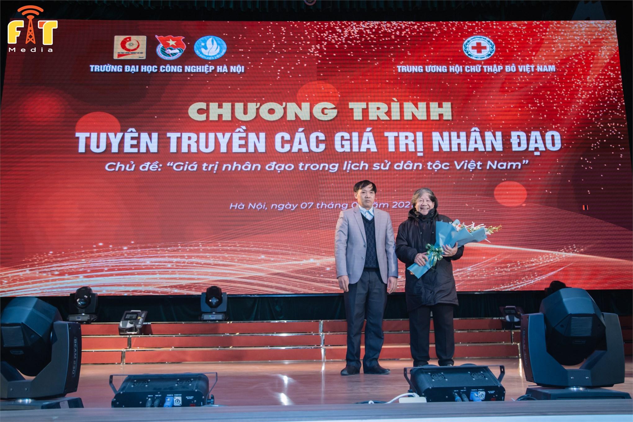 """Tọa đàm """"Giá trị nhân đạo trong lịch sử dân tộc Việt Nam"""""""