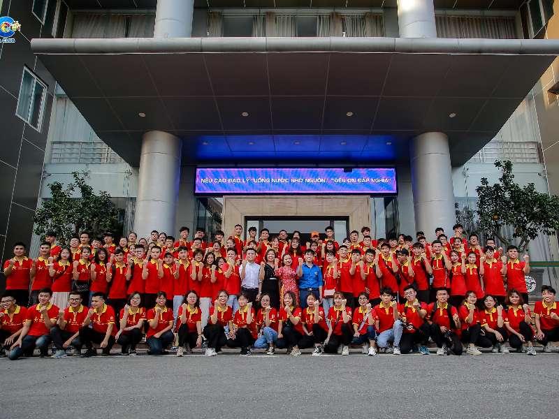 Đại học Công nghiệp Hà Nội nhận kỷ niệm chương Chương trình Nhận diện hàng Việt Nam